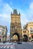 Piękny antyczny proszka wierza, Praga, republika czech Prochowy wierza jest bramą który prowadzi przez Starego miasteczka Zdjęcie Royalty Free