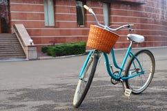 Piękny błękitny bicykl Obrazy Stock
