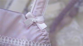 Piękny beż, biel koronka i jedwab bielizny zbliżenie i zbiory