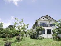 Piękny biały okręgu administracyjnego dom od Thailand Obraz Stock