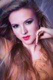 piękny blondynki zakończenia dziewczyn portret piękny Fotografia Stock