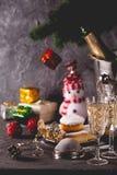 Piękny bożego narodzenia pojęcie z cukierkami i akcesoriami fotografia stock