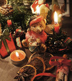 Piękny Bożenarodzeniowy wianek z świeczkami Zdjęcie Royalty Free
