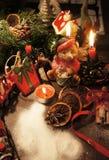 Piękny Bożenarodzeniowy wianek z świeczkami Zdjęcie Stock