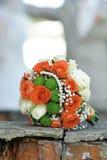 Piękny bridal bukiet różnorodni kwiaty Fotografia Royalty Free
