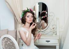 Piękny brunetki panny młodej portreta ślubu styl Zdjęcia Stock