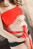 Piękny brzuszek kobieta w ciąży Fotografia Royalty Free