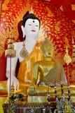 Piękny Buddha wizerunek W świątyni Zdjęcia Royalty Free