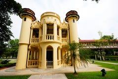 Piękny budynek w Sanamchan pałac przy Nakhon Pathom, Tajlandia Fotografia Stock