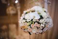 Piękny bukiet dla wakacje i poślubiać kwieciste dekoracje Zdjęcie Stock