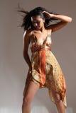 piękny chłodno mody modela pozy krzesanie Fotografia Stock