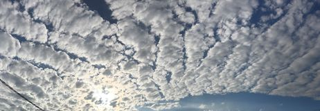 Piękny chmurny dzień Zdjęcia Royalty Free
