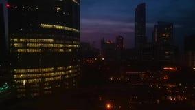 Piękny chmurny magiczny zmierzch w Abu Dhabi mieście zbiory wideo