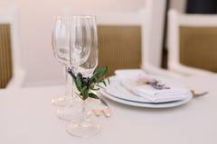 Piękny cutlery na ślubnym stole Obrazy Royalty Free