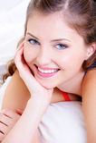 piękny czyścić twarzy kobiety świeżej uśmiechniętej obraz royalty free