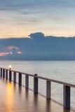 Piękny długi most nad morzem Zdjęcie Royalty Free