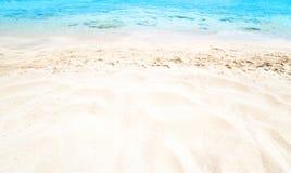 Piękny Denny piaska niebo, letni dzień i - Podróżuje zwrotnika kurort wal Obrazy Stock