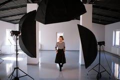 Piękny dorosłej kobiety wzorcowy pozować w studiu Zdjęcia Royalty Free