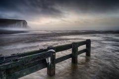 Piękny dramatyczny mgłowy zima wschodu słońca Siedem siostr falez lan Fotografia Stock