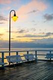 Piękny drewniany molo przy wschodem słońca obrazy stock