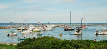Piękny dzień dla wodniactwo w Nowym schronieniu w Blokowej wyspie, Rhode - wyspa Zdjęcie Royalty Free