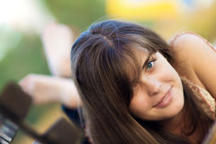 piękny dziewczyny parka portret Zdjęcia Royalty Free
