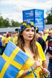 Piękny dziewczyny zachęcanie Szwecja obywatela drużyna futbolowa Obrazy Stock