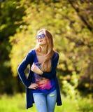 Piękny dziewczyny zakończenie w górę śmiać się na słonecznym dniu Obrazy Royalty Free