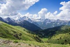 Piękny góra krajobraz dolomity Widok od passo Sella W?ochy fotografia royalty free