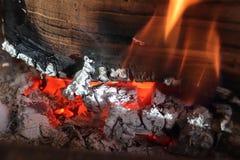 Piękny gorący pożarniczy palenie w grabie zdjęcie stock