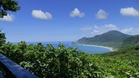 Piękny halny morze plaży krajobraz, Tajwan Obraz Stock
