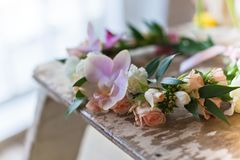 Piękny handmade kwiecisty wianek zdjęcie royalty free