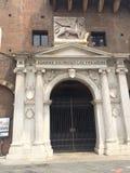 Piękny historyczny szpaltowy pałac Podestà Zdjęcie Stock