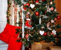 Piękny holdiay dekorujący pokój z choinką fotografia royalty free