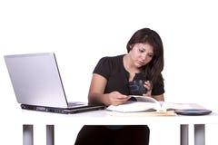 piękny jej laptopu kobiety działanie Obraz Royalty Free