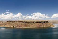 piękny jeziora krajobraz blisko Peru puno umayo Zdjęcia Stock
