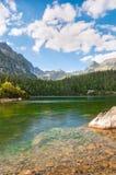Piękny jezioro w Wysoko Tatrzańskim Sistani zdjęcia stock