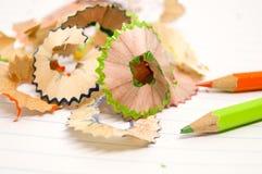 Piękny kawałek drewno dżonka od ostrzarki kredki zdjęcia stock