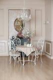 Piękny klasyczny wnętrze z wiosna nastrojem Obraz Royalty Free