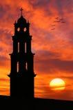 piękny kościół frontu sylwetki starego słońca zdjęcie royalty free