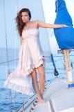 Piękny kobieta model na żaglówce Obrazy Royalty Free