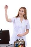 Piękny kobieta naukowiec w laboratorium pisze coś Zdjęcia Stock