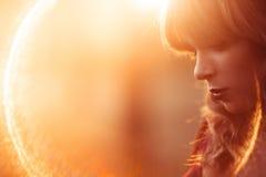 Piękny kobieta profil, obiektywu raca, bezpłatna przestrzeń Obraz Royalty Free