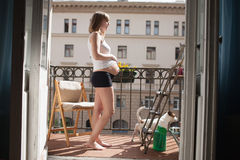 Piękny kobieta w ciąży zdjęcie stock