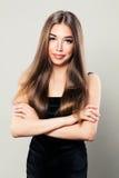 Piękny kobiety mody model z Naturalną fryzurą Obrazy Stock