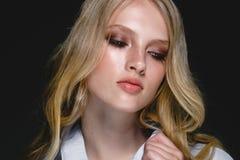 Piękny kobiety twarzy portreta piękna skóry opieki pojęcie Moda Zdjęcia Stock