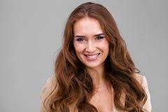 Piękny kobiety twarzy zakończenie w górę portreta studia zdjęcia stock