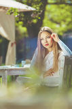 Piękny kolorowy stonowany portret zmysłowe młode kobiety z w ten sposób Obrazy Royalty Free