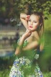 Piękny kolorowy stonowany portret zmysłowy młody sportive woma Zdjęcie Stock