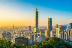 Piękny krajobraz i pejzaż miejski Taipei 101 architektura w mieście i budynek obraz royalty free